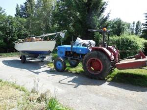 Tracteur pour manœuvrer les bateaux habitables